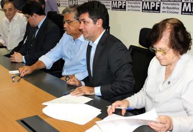 Prefeitura renova contrato com o Hospital São José