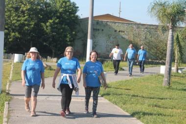 Grupo tem caminhada orientada em Balneário Rincão