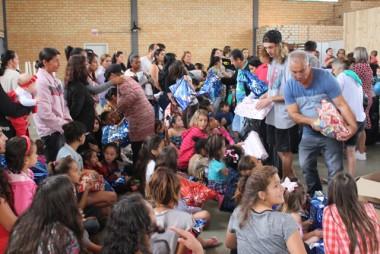 Família Feliz realiza festa em comemoração ao dias das crianças