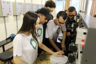 Escola Técnica Satc de olho no futuro profissional dos alunos
