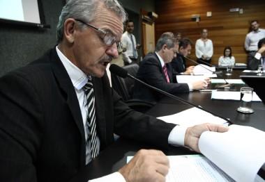 Secretário da Fazenda terá que dar explicações sobre crise fiscal