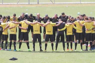 Criciúma enfrenta o Bragantino nesta segunda-feira