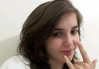 Jovem de 17 anos saiu na madrugada e família está a procura