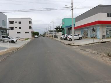 Vereador Flávio Felisberto solicita instalação de lombofaixa