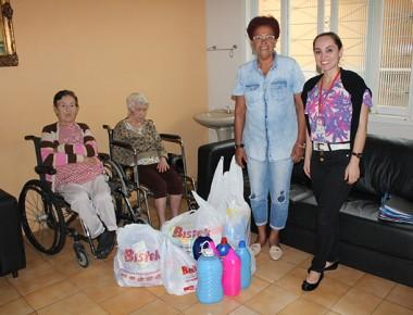 Bistek entrega donativos a Casa de Repouso Bom Jesus