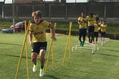 Criciúma realiza trabalho físico no Centro de Treinamento