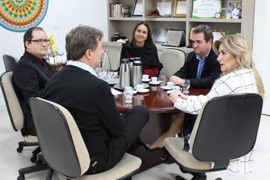 Unesc e prefeitura de Içara firmam primeiro convênio corporativo
