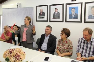 Deputada Ada de Luca passa presidência do PMDB Mulher