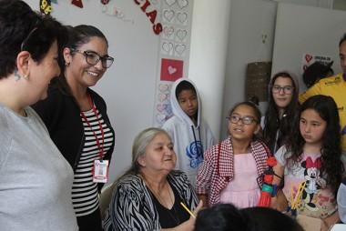 SCFV Santa Luzia promove atividade intergeracional com idosos