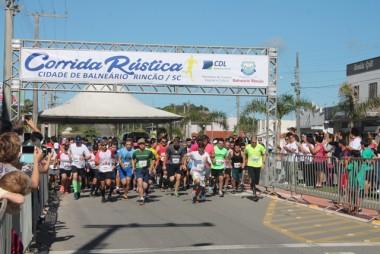 Corrida Rústica reúne 300 atletas em Balneário Rincão