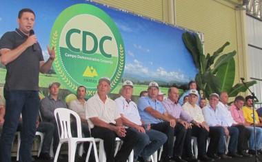 Prefeitura de Jacinto Machado participa com estante do 14° CDC