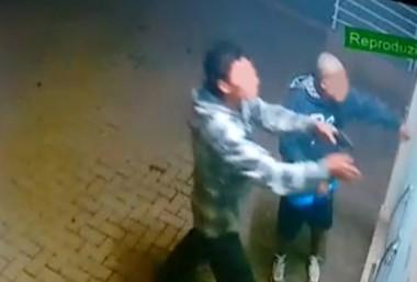 Assaltantes invadem comércio no Rio dos Anjos e levam Corolla