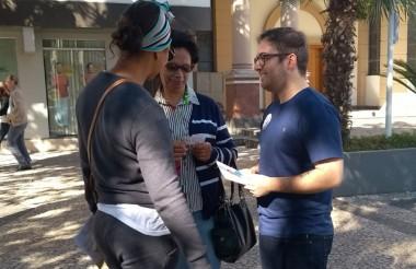 Max Amaral coloca campanha nas ruas de Içara