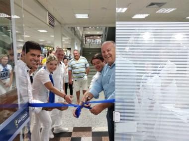 Laboratório Búrigo reinaugura filial e abre nova Sala de Vacinas