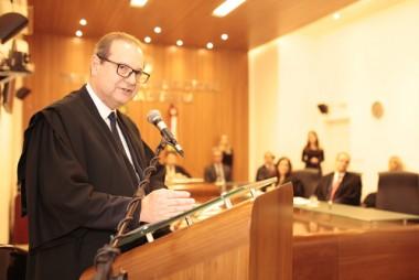Juiz Vitoraldo Bridi tomou posse no TRE-SC nesta segunda