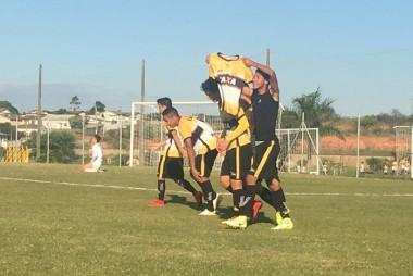 Sub-15 e Sub-17 vencem o Guarani no CT