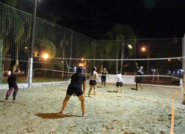 Maracajá propõe torneios de voleibol de areia em duplas