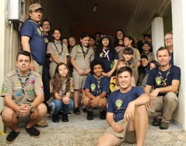 Escoteiros de Siderópolis plantam mudas doadas pela FAMSID