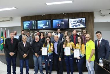 Legislativo entrega moção a medalhistas no Pan-Americano