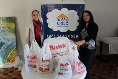 Bistek entrega donativos a Nossa Casa de Criciúma