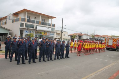 Novos guarda-vidas civis recebem diplomas em Balneário Rincão