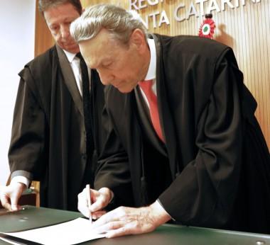 Jaime Pedro Bunn toma posse como juiz efetivo do TRE-SC