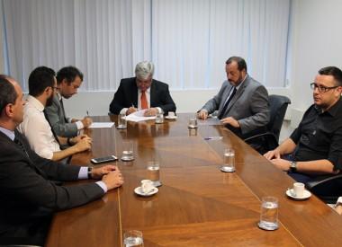 TRE-SC e parcerias assinam acordo para viabilizar voto de presos provisórios
