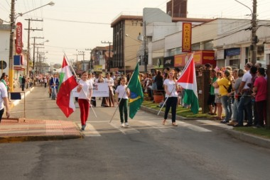 Desfile Cívico em Forquilhinha dia 7 de setembro