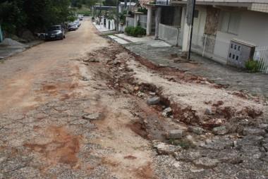 Israel Rabelo solicita conclusão das obras na Rua Natal Tassi