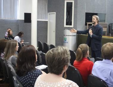 """""""PAR é o pacto federativo da educação,"""" diz o deputado Pedro Uczai"""