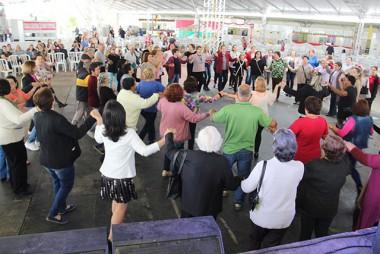 Baile da 3ª Idade abre atividades da 29ª Festa das Etnias