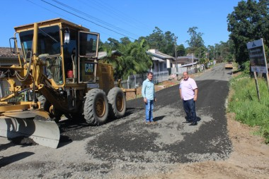 Obras de pavimentação em ritmo acelerado em Nova Veneza