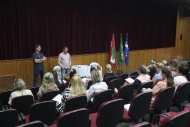 Educação reúne diretores para tratar do ano letivo