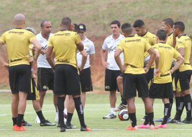 Criciúma duela com o Inter de Lages