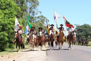 Rodeio do Caverá iniciou nesta quinta celebrando 15 anos de tradição