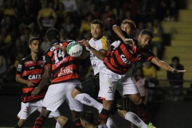 Criciúma Esporte Clube perde para o Atlético Goianiense
