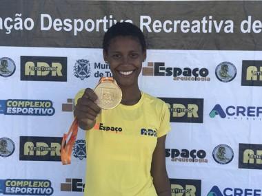 Atleta do Projeto Atletismo na Unisul é campeã brasileira nos 400m