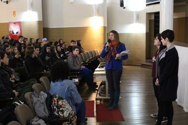 Equipe do Blog do Enem traz dicas a estudantes da Satc