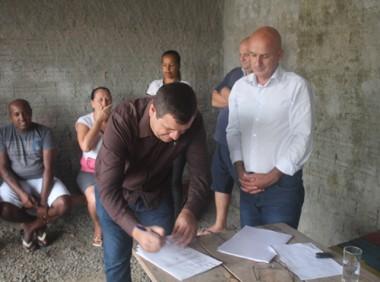 Administração de Balneário Rincão entrega ordem de serviço
