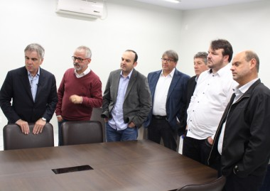 Pré-candidato à Presidência da República visita a Satc