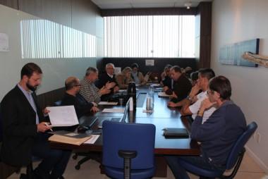 Sobre a reunião de negociação Sinplasc e Sindesc
