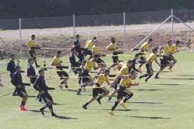 Grupo Carvoeiro trabalha parte física nesta terça-feira