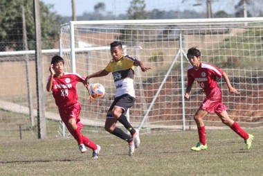 Base do Criciúma Esporte Clube supera equipe japonesa