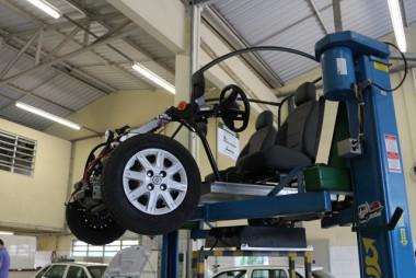 Satc promove primeiro treinamento didático com carro elétrico