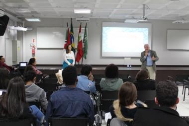 Palestra aborda a importância do direito na Moda
