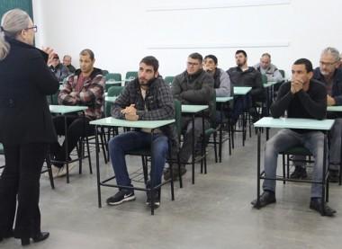 Centro de Qualificação promove curso de Eletricista de Distribuição