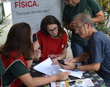 Imposto de Renda na Praça traz informação e solidariedade