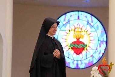Irmã Agnes Marta troca de votos no Santuário Sagrado