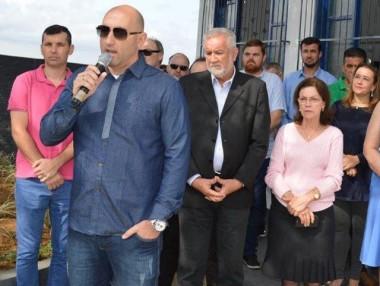 Cocal do Sul entrega duas novas escolas para a comunidade