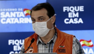 Governador Carlos Moisés reforça importância de hospital de campanha em Itajaí